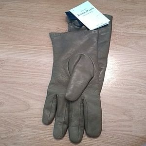 NWT, Antonio Murolo Italian leather gloves Italy